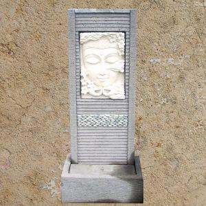 Meditáló Buddha faragvány- és kőbetétes vízfal